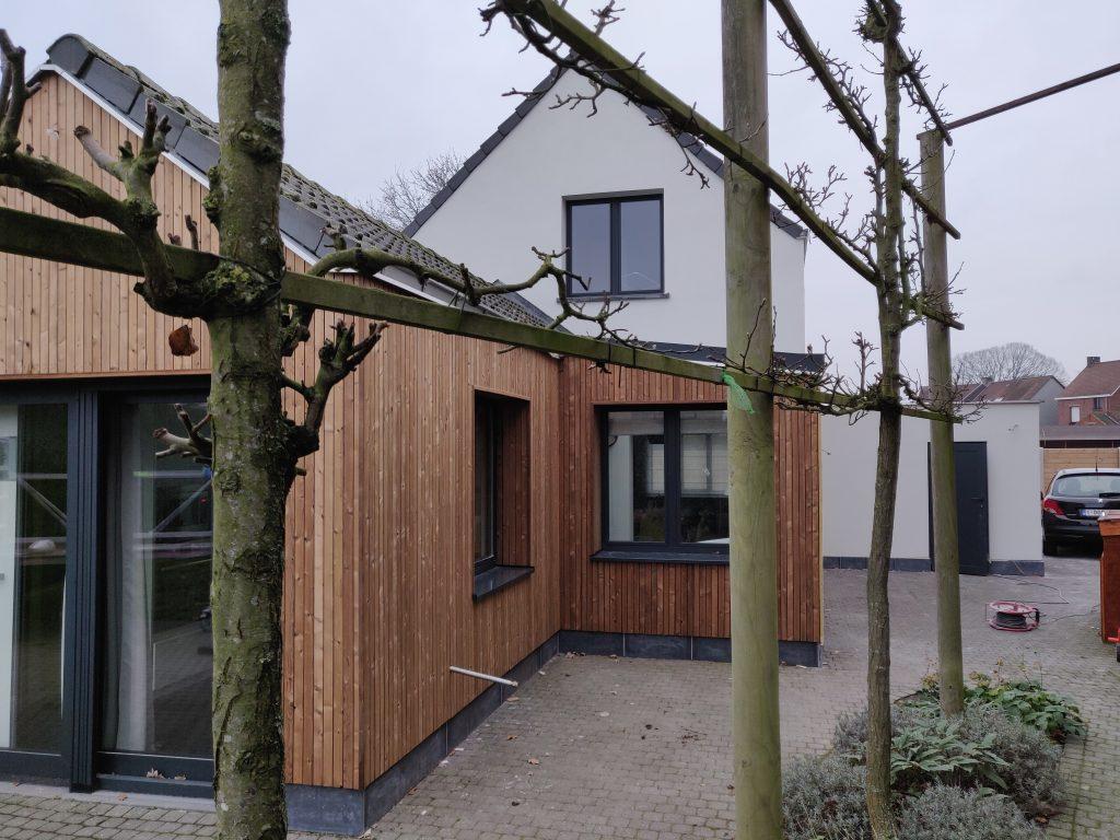 Isolatie-en houten gevelbekleding in Nijlen